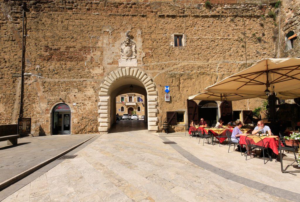 Stadsmuur van Pitigliano